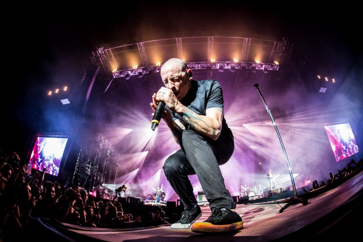 Linkin Park S Performance Of Crawling From One More Light