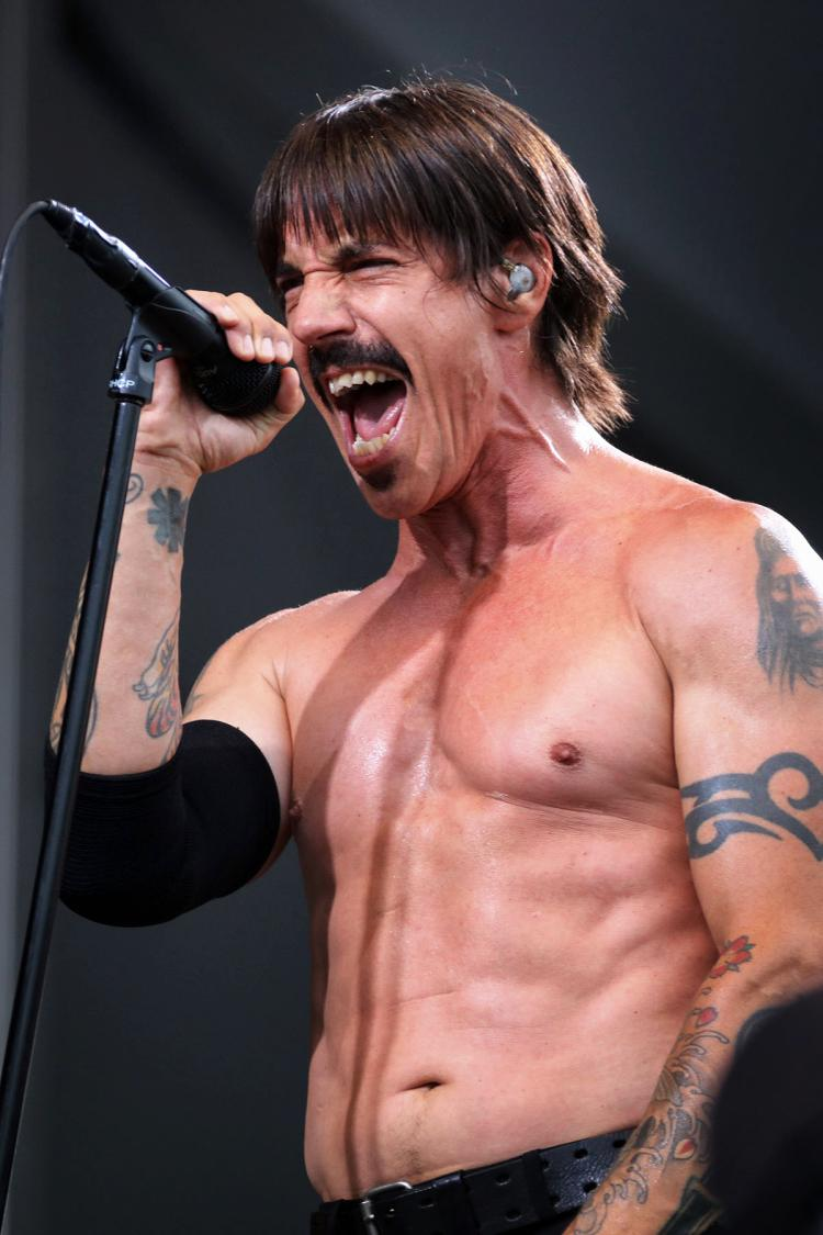 red hot chili pepper anthony kiedis loves california real rock 103 9 the bear. Black Bedroom Furniture Sets. Home Design Ideas